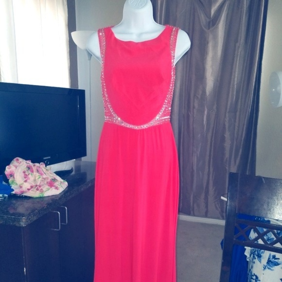 gb Dresses & Skirts - NEW Coral Beaded Back Dress NWT Size S